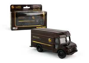 Daron UPS package delivery model truck pull back and go Action RT4349