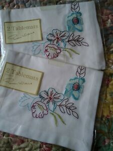 Set of 4 Peggy Wilkins Vintage Style White Embroidered Tablemats Flowers NEW