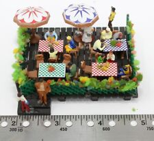 """HO Scale Outdoor Restaurant Patio/Cafe Diorama Approximately 2 3/4 x 3 x 1 1/2"""""""