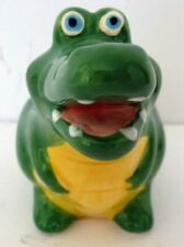 EGG CUP - GLOSSY POLYRESIN SMILING CROCODILE! GREAT FOR EASTER & COLLECTORS! BN