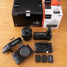 Set: Sony ALPHA a7r + Zeiss obiettivo + grip, circa 2.500 inneschi