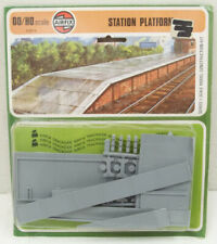 Airfix Products 01607-8 Station Platform