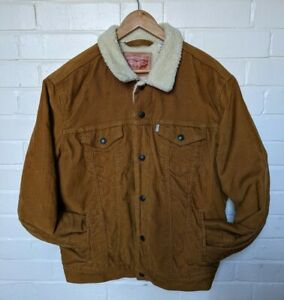 LEVIS Tan Brown Sherpa Trucker Jacket Size Large Great Autumn Colour.
