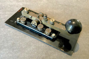 Key WT 8AMP British Military Morse Telegraph Key, H&C maker, with base and cover