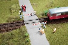 AUHAGEN HO scale ~ LEVEL CROSSING with HALF BARRIERS ~ plastic model kit #41625