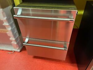 """24"""" Thermador Double Drawer Refrigerator Undercounter T24UR820DS (Used 2016)"""