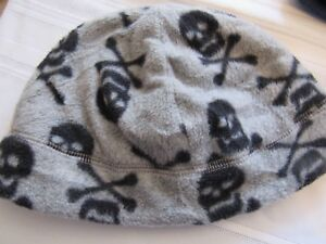 GAP BOYS GRAY SKELETON BEANIE, SIZE LARGE/XL, NEW WITH TAG