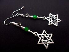 Un PAR DE Dangly PLATA TIBETANA Estrella de David y verde jade DEL GRANO PENDIENTES. nuevo.