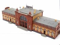 Bahnhof BONN aus der Gründerzeit mit vielen Figuren BELEUCHTET Spur N D0563