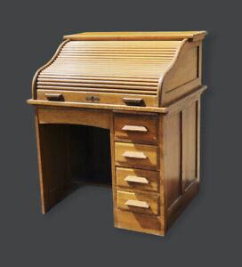 Edwardian Oak Roll Top Desk With Panelled Sides In Light Oak.
