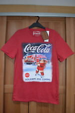 Coca Cola Christmas Truck Santa T-Shirt Holidays Are Coming Small S 89-94 35-37