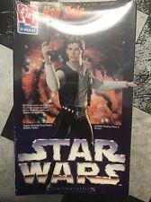 Star Wars HAN SOLO Harrison Ford AMT Collector Edit VINYL Model blaster + base