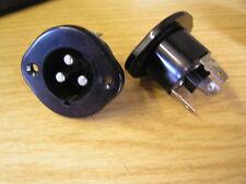 Bulgin SA2190 3 Varilla Macho Chasis para 0.6cm Terminales 5A OM0416