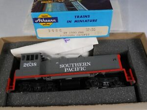 Athearn Ho SW1500 Power locomotive, SOUTHERN PACIFIC 2638 NEW OLD STOCK COMPLETE