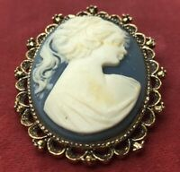 Vintage Brooch Pin Signed Gerry's Cameo Pendant Blue