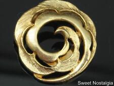 LOVELY VINTAGE 60/70'S GOLD PLATED DUO TEXTURED/POLISHED SWIRL DESIGN SCARF CLIP