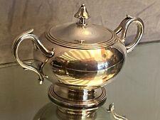 Sucrier à anses en métal argenté de style Louis-Philippe