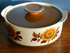 """A J & G Meakin Studio ironstone 8"""" casserole dish with lid in """"Sunflower"""""""