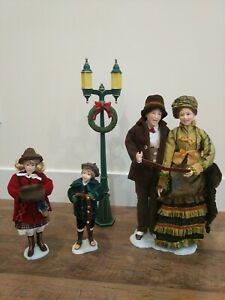"4 Piece Choir Set Christmas Carolers Figurines 18"" Victorian Theme Holiday Decor"