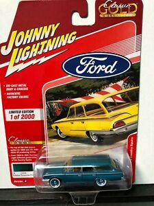 1/64 JOHNNY LIGHTNING CLASSIC GOLD 1960 FORD COUNTRY SQUIRE TURQUOISE POLY