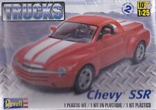 Chevrolet SSR Pick Up truck Revell 1/25th Scale Model Car Kit NIB  #4052