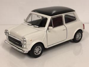 Mini Cooper 1300 Cream Black Roof 1:32 Pull Back Go Welly 49720WCR
