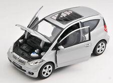 BLITZ VERSAN Mercedes Benz A200 A Class silber silver Welly Modell Auto 1:24 NEU