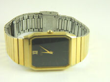 SEIKO SQUARE  GOLD TONE  FACE and BAND  WATCH NEW BATTERY/659688