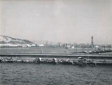 BARCELONE c. 1950 - Vue sur le Port Cabanes de Pêcheurs Espagne - Div 11817