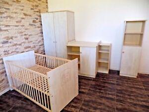 Babyzimmer Komplett Set Babybett Umbaubar Kommode Schrank Regal weiß rosa Gravur