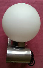 Belle Lampe de chevet des années 70, chrome et verre opalin