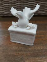 Small White Trinket Box With Bird Porcelain Jewellery Storage Pot Lid - New (b)