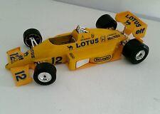 Formule 1 LOTUS 97 T  - Echelle 1 / 24 - marque BURAGO