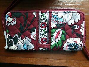 Nwt VERA BRADLEY Bordeaux Blooms ICONIC RFID ACCORDION Wristlet Wallet CHRISTMAS