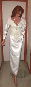 Gorgeous Beaded Sheath Wedding Gown Size Small (Est 4/6)