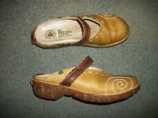 EL NATURA LISTA  GOLD LEATHER CLOGS SIZE 39 (9)