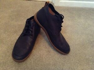 Great Men's Black CLARKS Leather Shoes Size 10.5 G