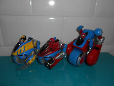 17.5.21.8 Lot 3 voiture véhicule MARVEL super hero squad volwerine spider man