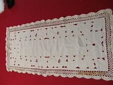 Vintage Table Runner Cutwork and Crochet