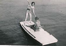 SPORT NAUTIQUE  c. 1950 - Jeunes Femmes  Planche Pagaie Promenade - Div 9994