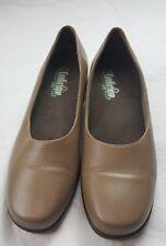 Red Wing Comfortique Slip Resistant 1/2 inch heel slip on flats pumps tan 61/2 B