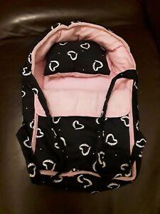 Puppentragetasche, Puppenbett schwarz / rosa mit Herzen  ca. 40 × 25 cm