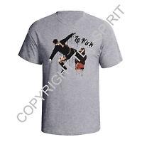 Eric Cantona Kick Graffiti Style Man Utd France Mens Football T-Shirt T185