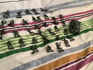 35  Plastic Toy 5cm Soldiers Army Men Figures Various Poses Plus Tank