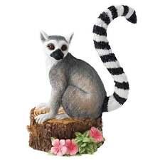 Country Artists Natural World CA03740 Mischievous Lemur Figurine