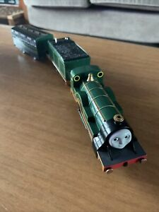 tomy trackmaster thomas the tank engine battery train emily and coach