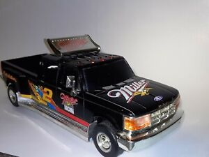 MILLER GENUINE DRAFT RUSTY WALLACE #2 FORD DUALLY DIECAST TRUCK BANK 1:24 FORD