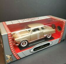 ROAD SIGNATURE 1/18 scale 1950 Studebaker Champion - GOLD UNOPENED