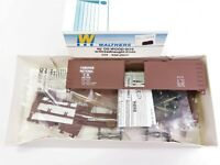 HO Scale Walthers Kit 932-2009 CN 40' Double Sheathed Wood Box Car #461010