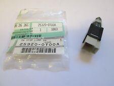 Interruptor de luz de freno Nissan Genuino 25320-0T00A